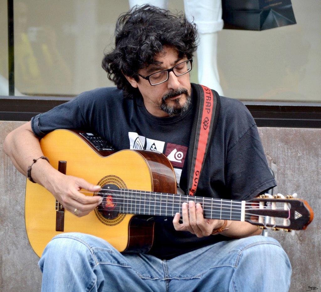 Merecido premio MUMES 2016 al músico Rubén Díaz