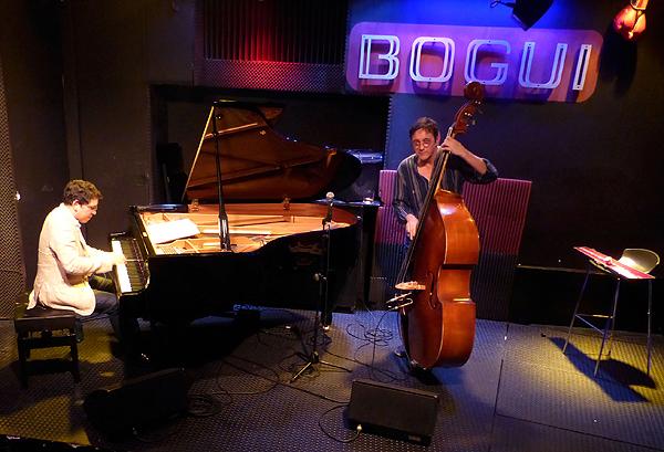 Pepe Rivero y Javier Colina recuerdan a Bebo Valdés en Bogui Jazz