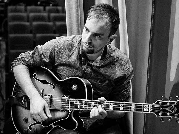 Víctor Antón toca 'Motion' en el Bogui Jazz de Madrid