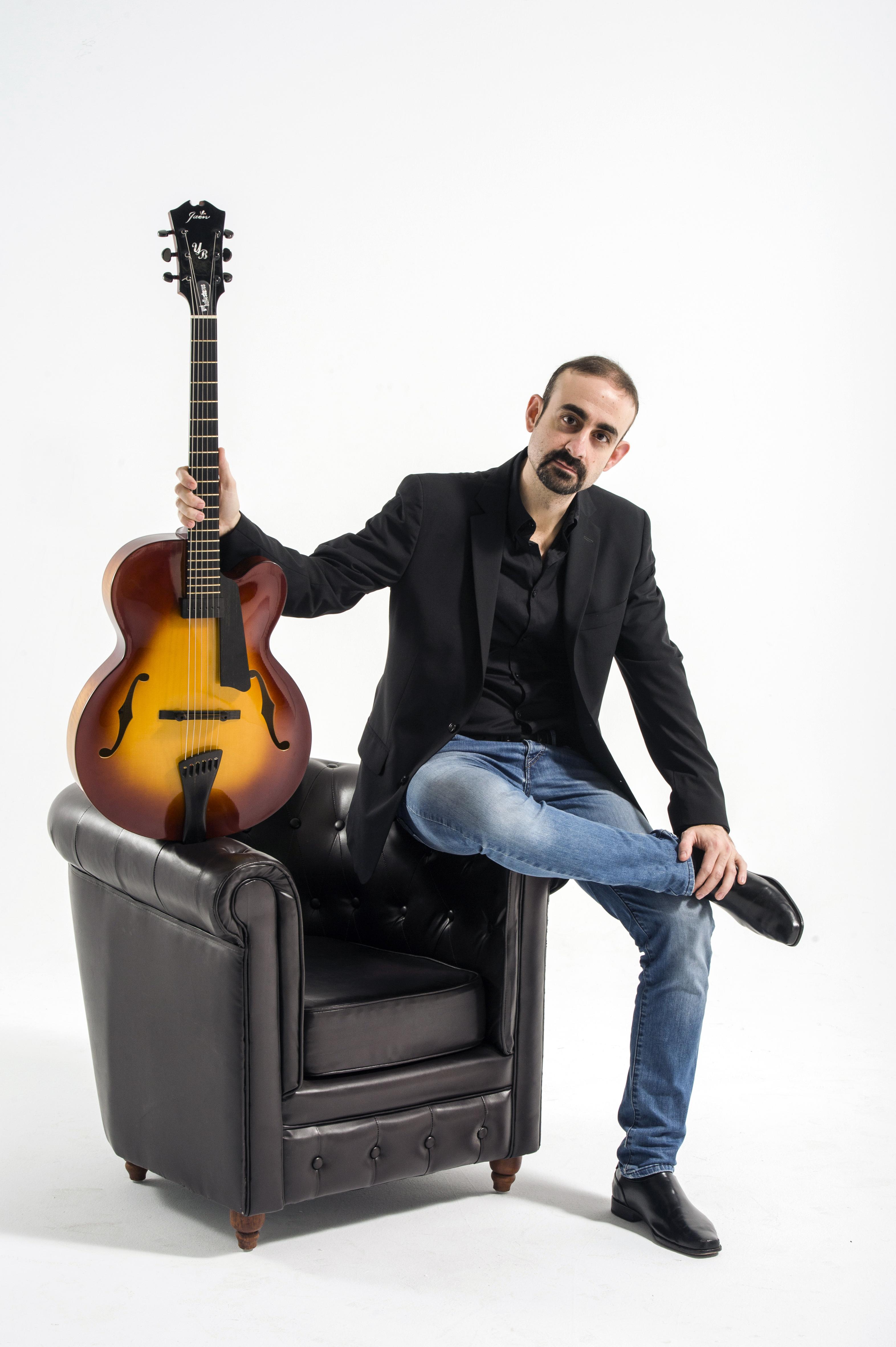 Yul Ballesteros presenta sus canciones en Lanzarote