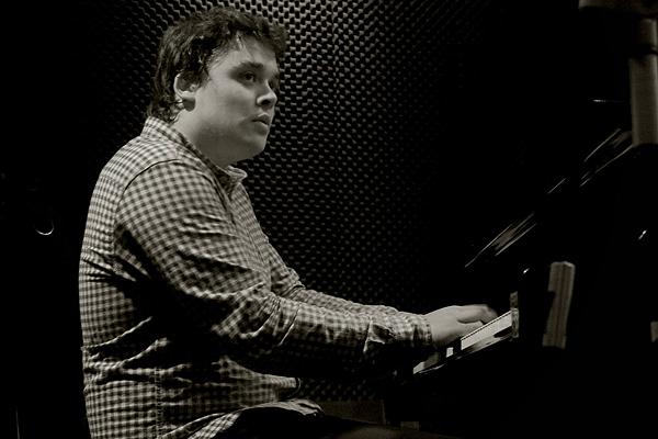 Juan Sebastián Trío presenta Tribute en Bogui Jazz (Madrid)