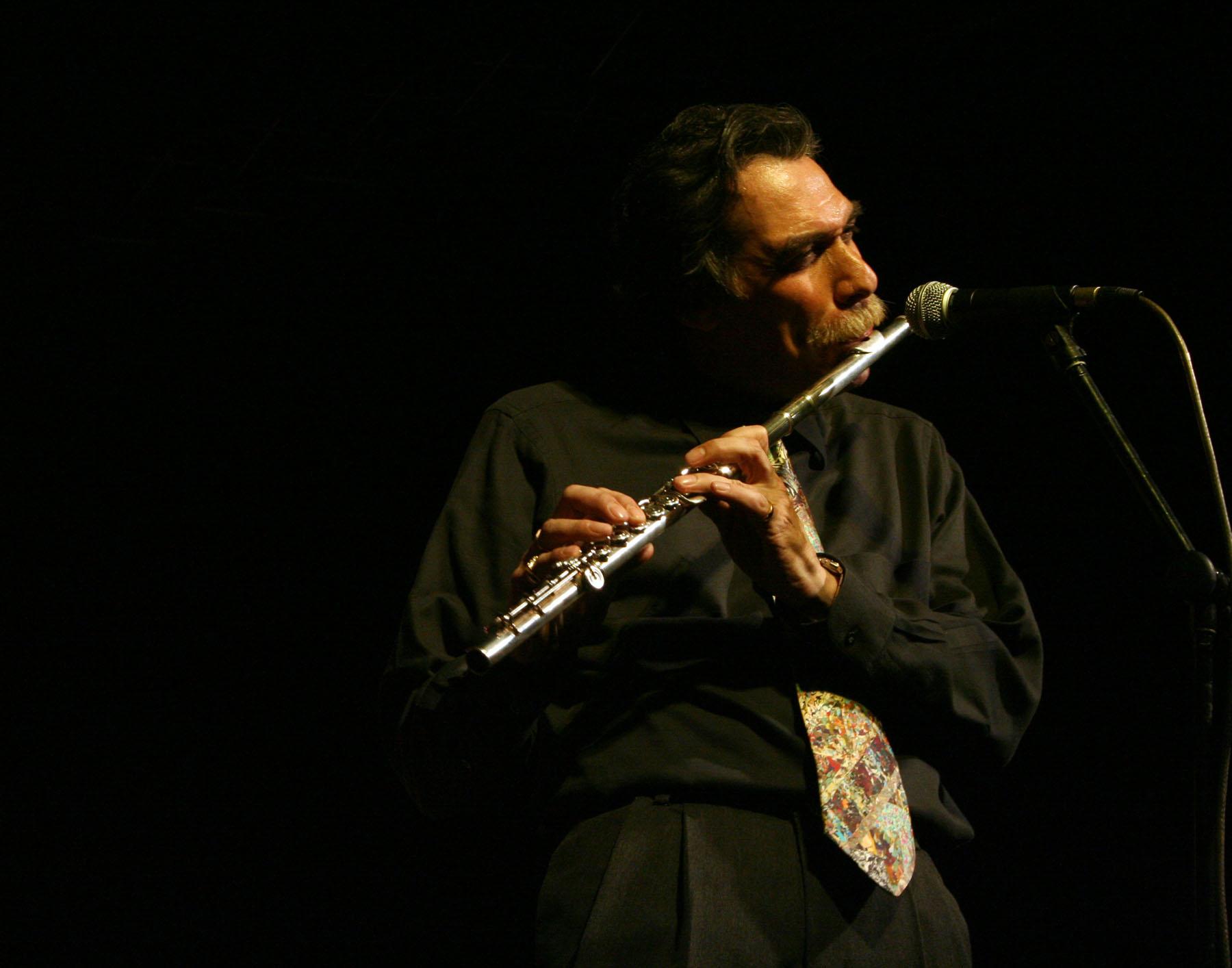 Muere Dave Valentín, el flautista del latin jazz
