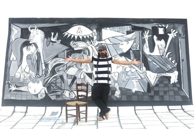 Miguel Campello recrea el Guernica de Picasso