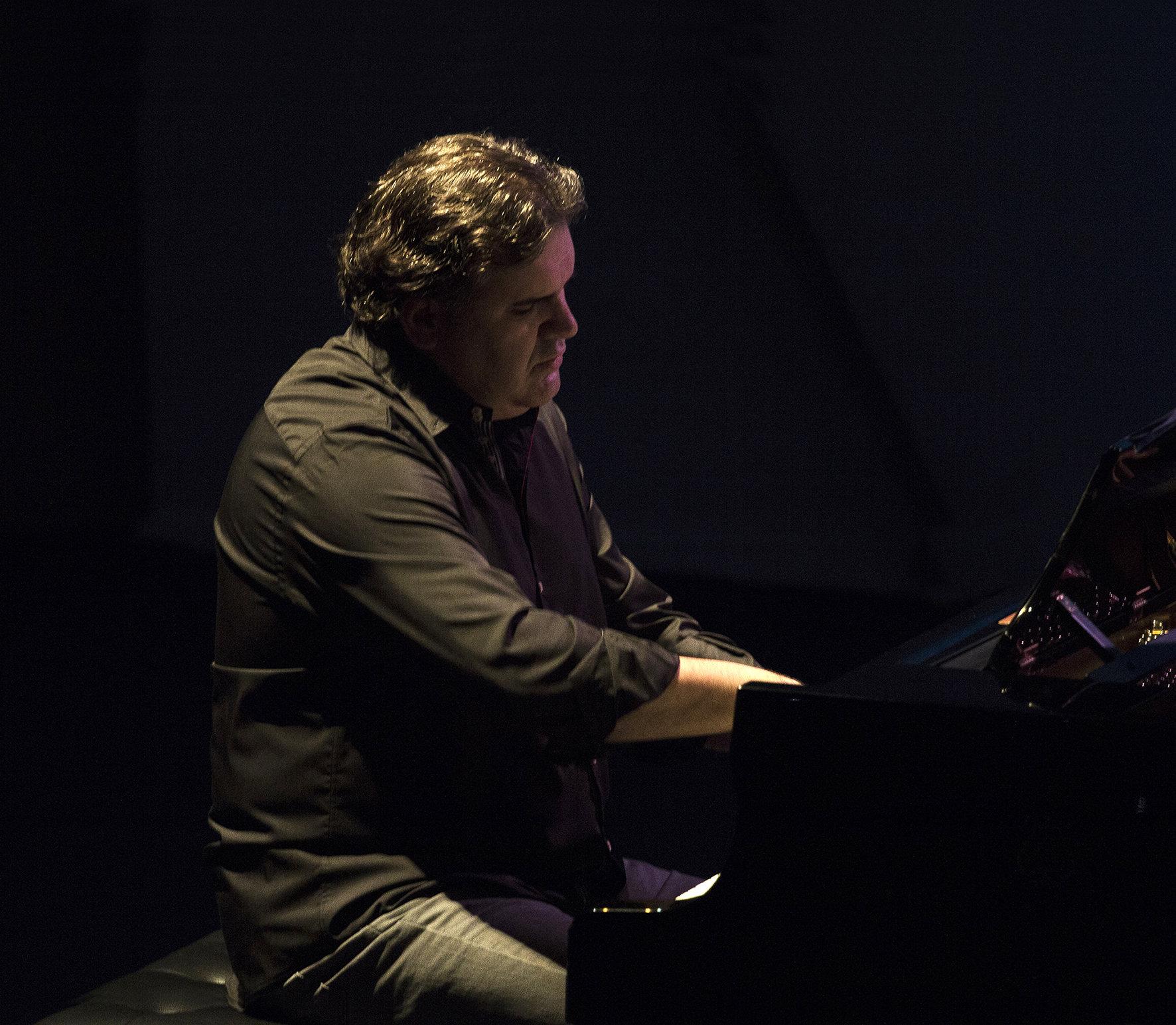Samuel Labrador y Midi Cables en Cafe Teatro Rayuela
