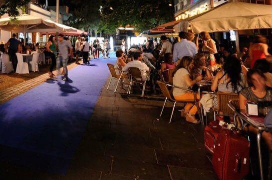 La Asociación Cultural Tamadiste en el brindis navideño de la Calle La Noria