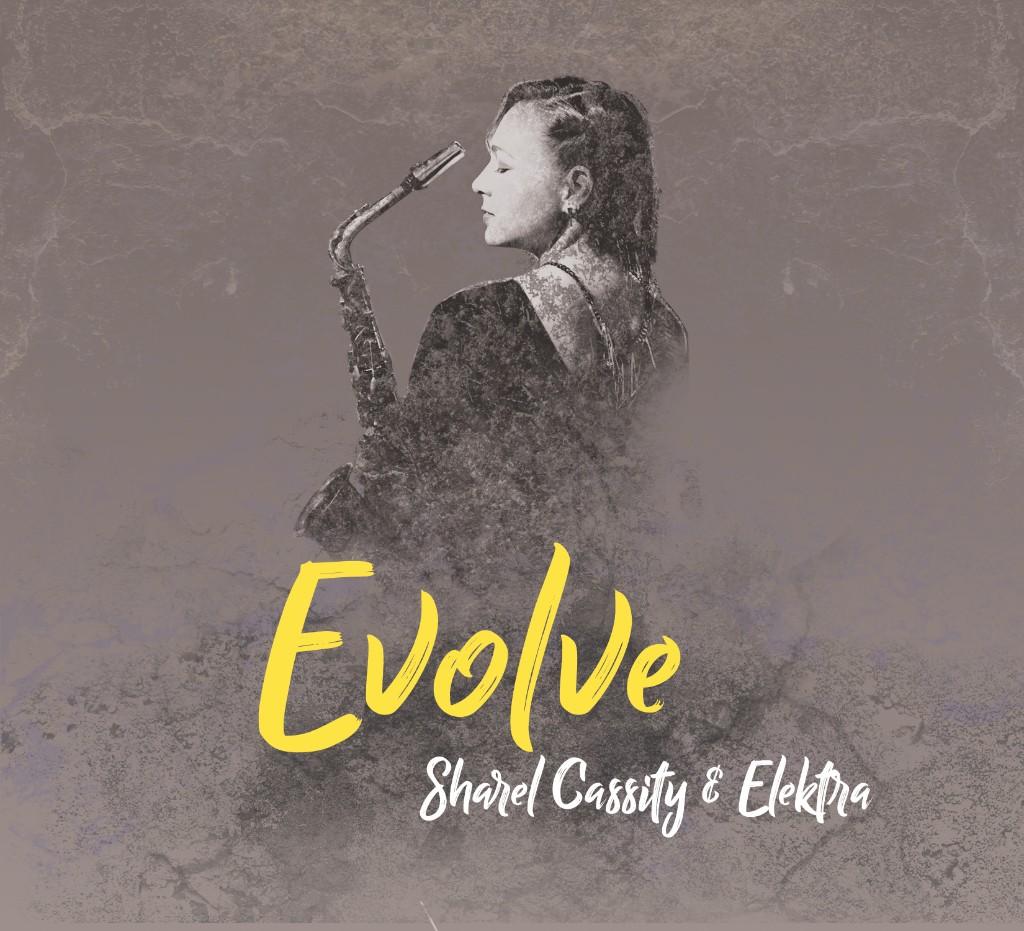 Sharel Cassity Elektra presenta Evolve