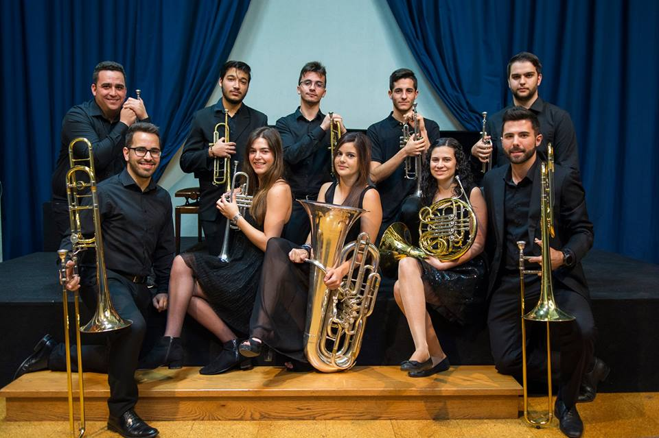 Canarian Brass Connection actúa en el Alfredo Kraus