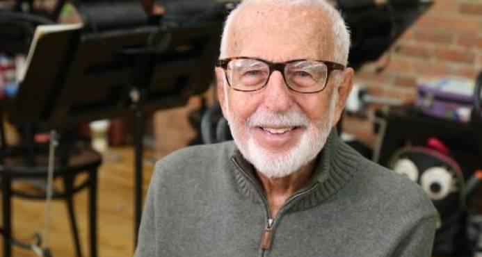 Fallece Joe Masteroff, creador del libreto de Cabaret