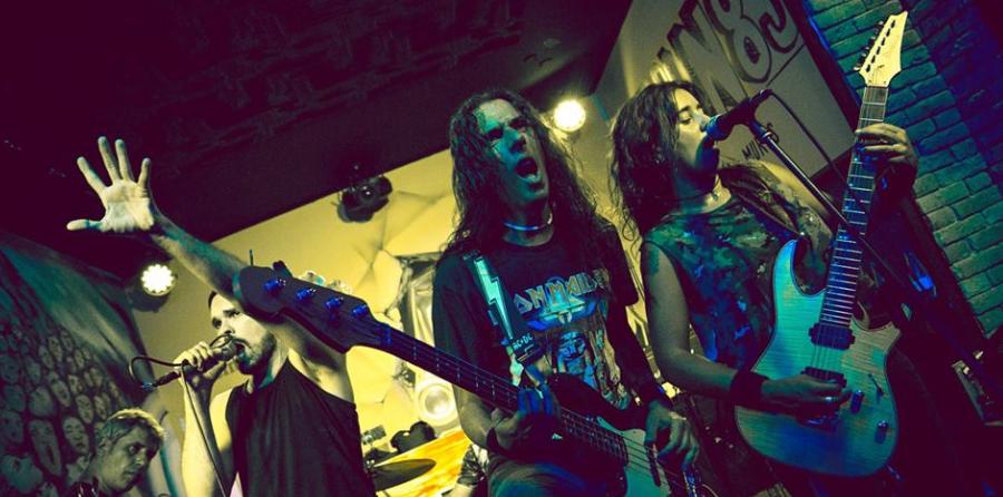 Los sonidos de Iron Maiden y AC DC llegan este viernes al Berlín 89 en forma de tributo