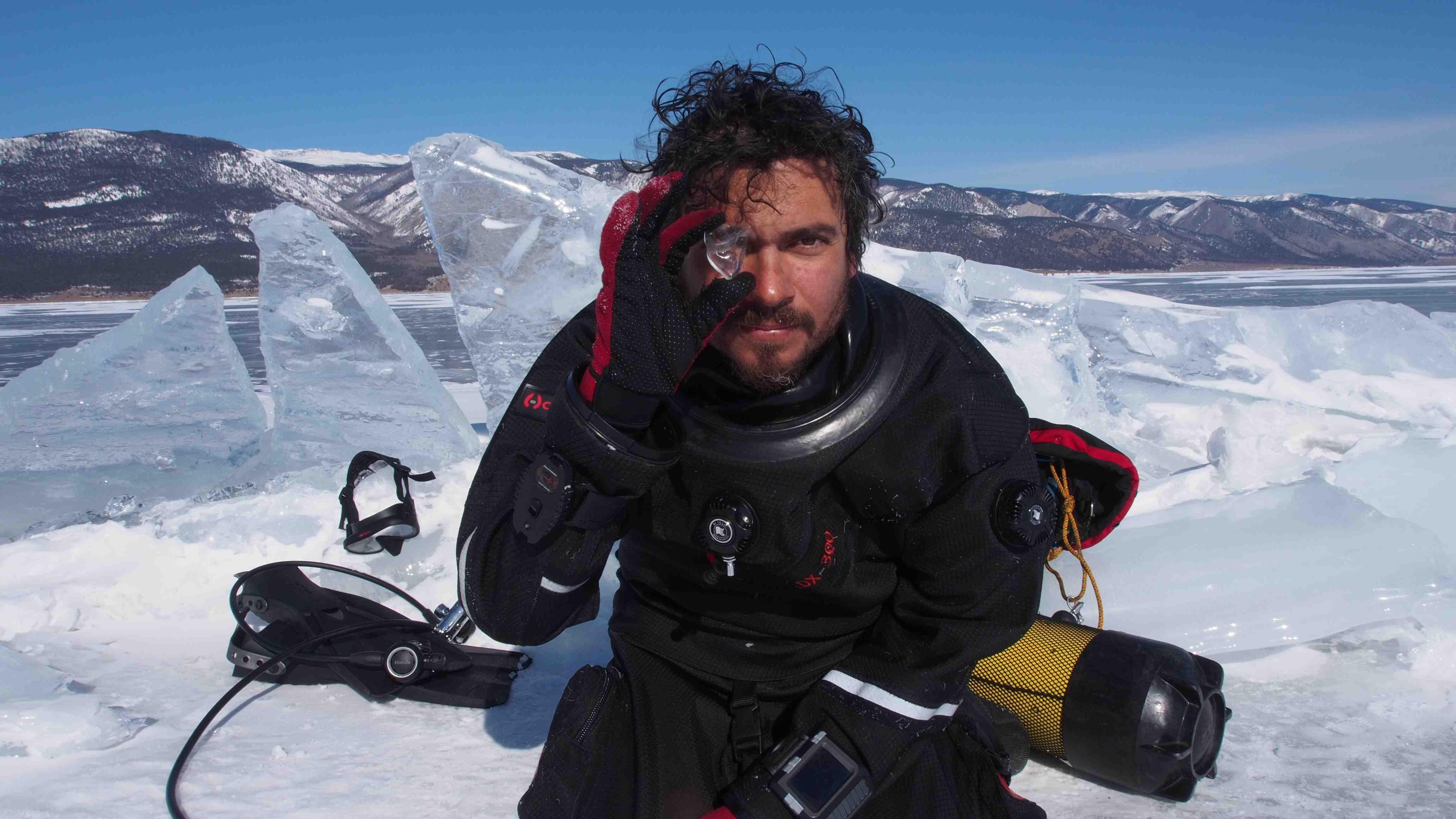 Paco Acedo : 'En Groenlandia dicen que cada año hay menos hielo  y la vida es más difícil'
