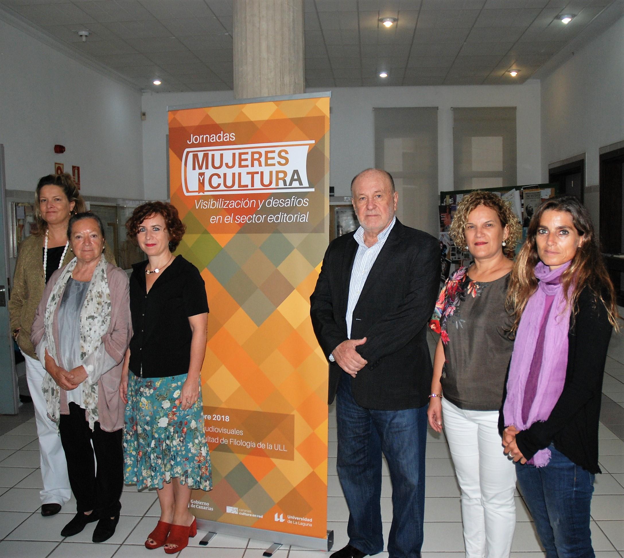 Editoriales especializadas en la literatura escrita por mujeres exponen su experiencia en Canarias