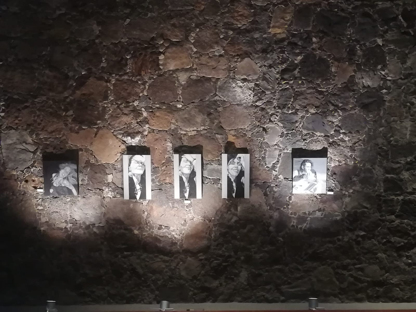 '12.480 horas' une las pinturas y las esculturas de Carmen Cruz y Gozton Cañada