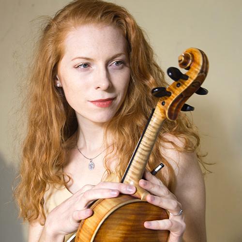 Jitka Keltie propone su violín en Bogui