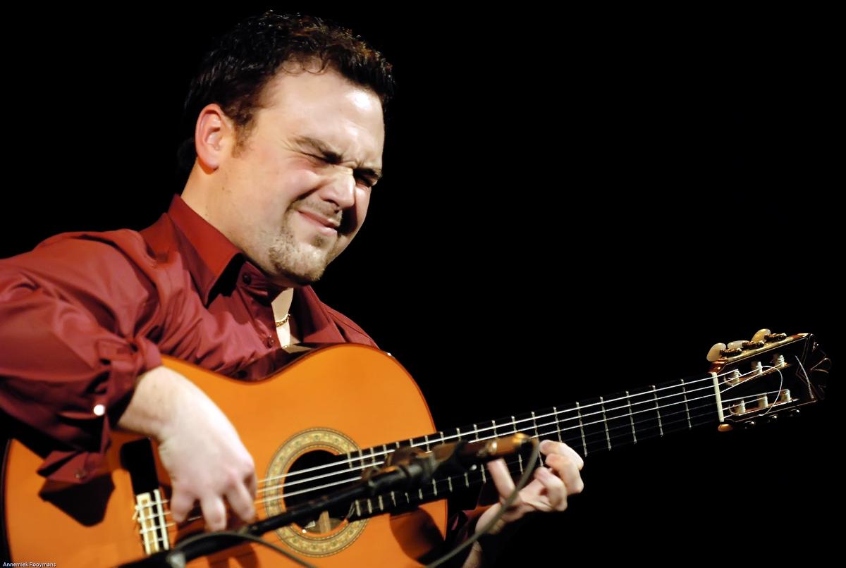 Santiago Lara : 'Afronto mi primer concierto en Canarias con ilusión'