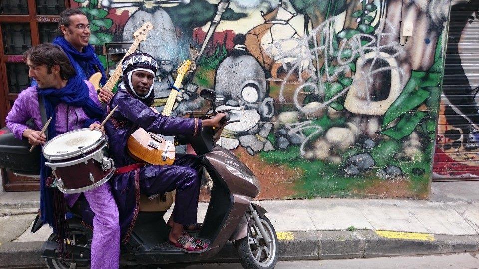 Ezza presenta su rock tuareg en el ciclo Pasionarios 2019