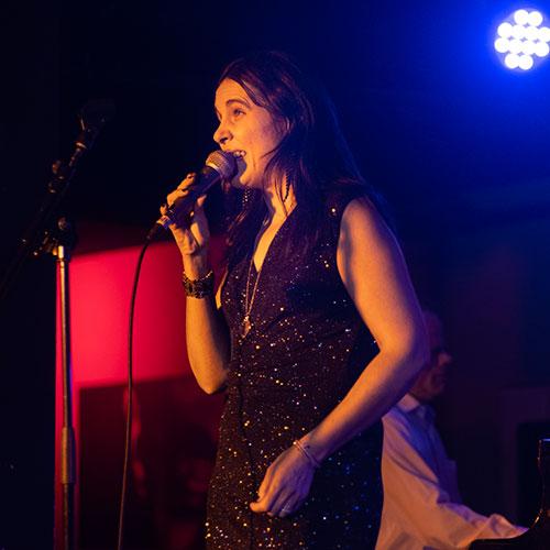 Loly Ayuma presenta su disco Noche Llena en Bogui Jazz