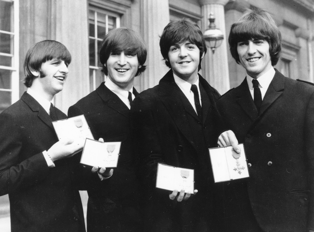 Concierto tributo de los Bootleg Beatles en el Alfredo Kraus