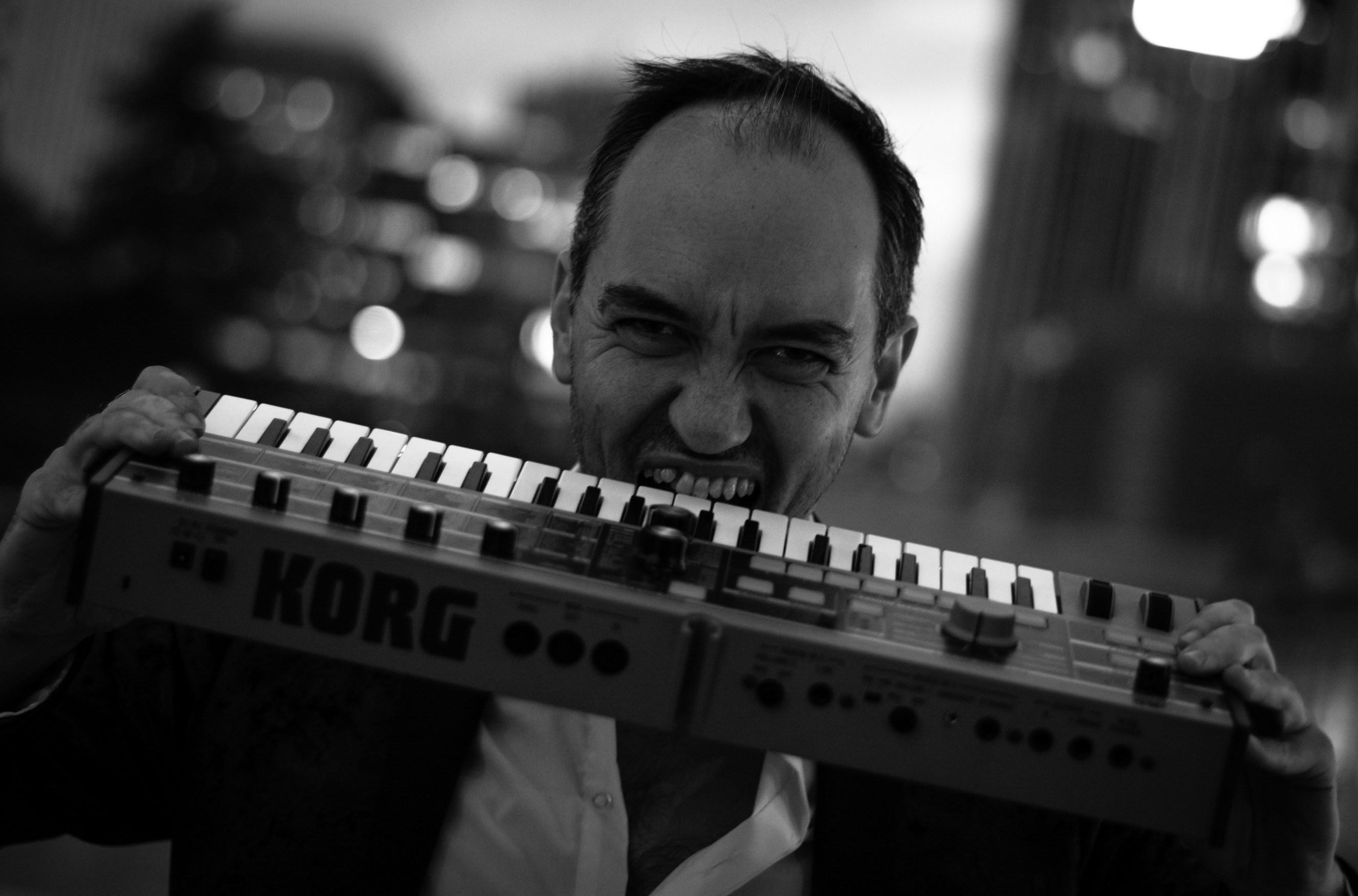 NuvolutioN presenta su segundo disco, Out of Place