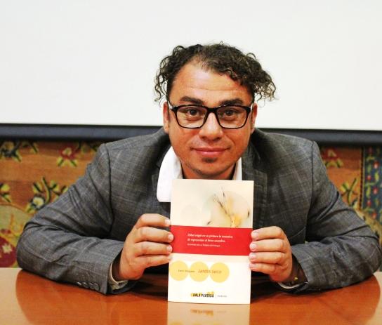 El poeta canario Samir Delgado presenta el poemario Jardín seco
