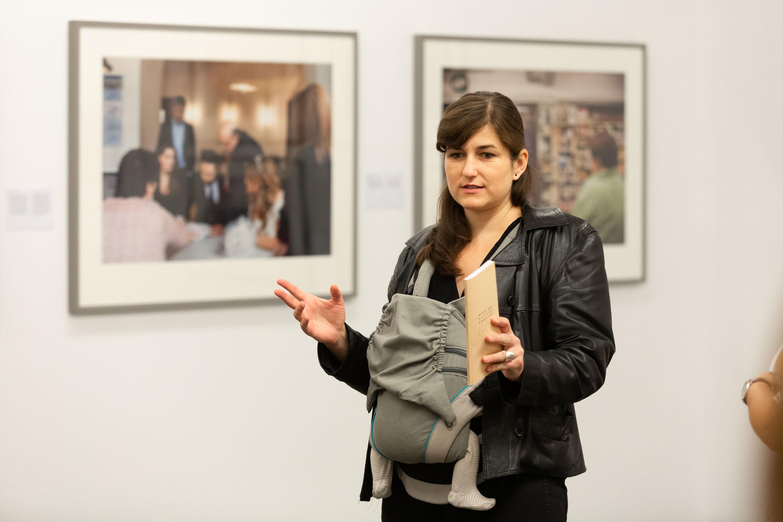 """La artista Lola Lasurt propone en Fotonoviembre """"una forma distinta de sentir y vivir las imágenes"""""""