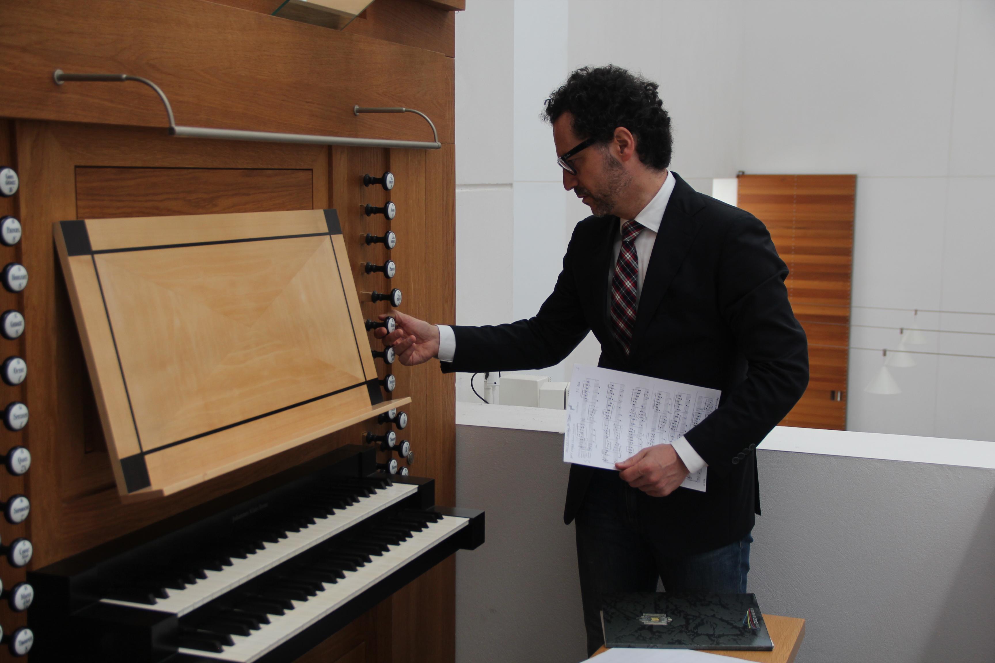 El órgano del Auditorio de Tenerife vibra el domingo con el músico vasco Óscar Candendo