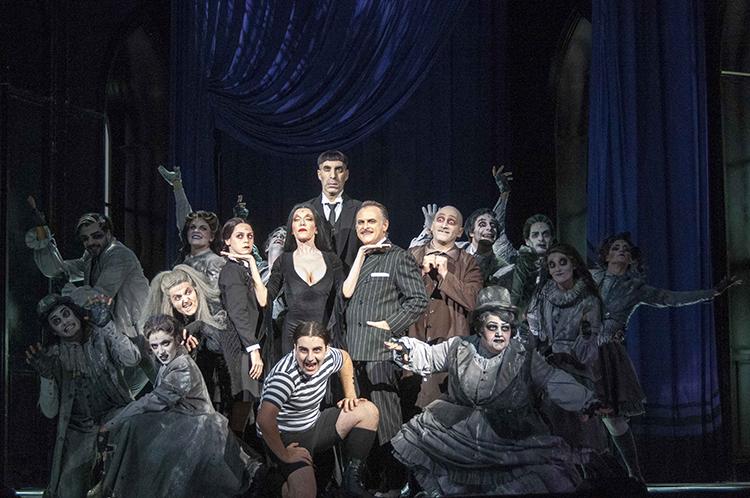 La Familia Addams se hace con el Auditorio de Tenerife
