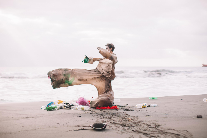 uNpACKAGING, un corto de ziREjA que intenta concienciar sobre los residuos en el TEA