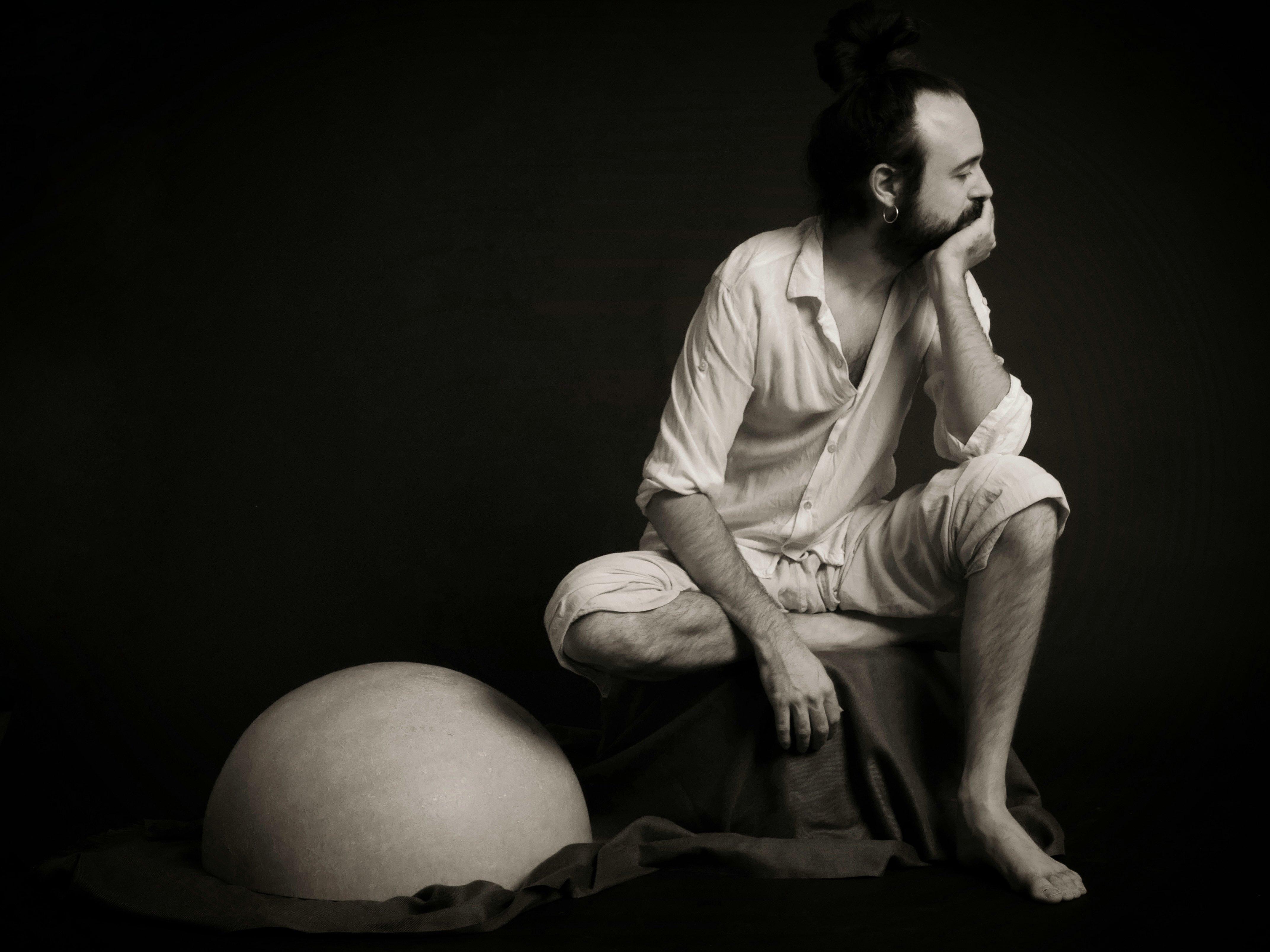 Miguel Hiroshi : 'Encuentro mucha inspiración musical a través de los sueños'