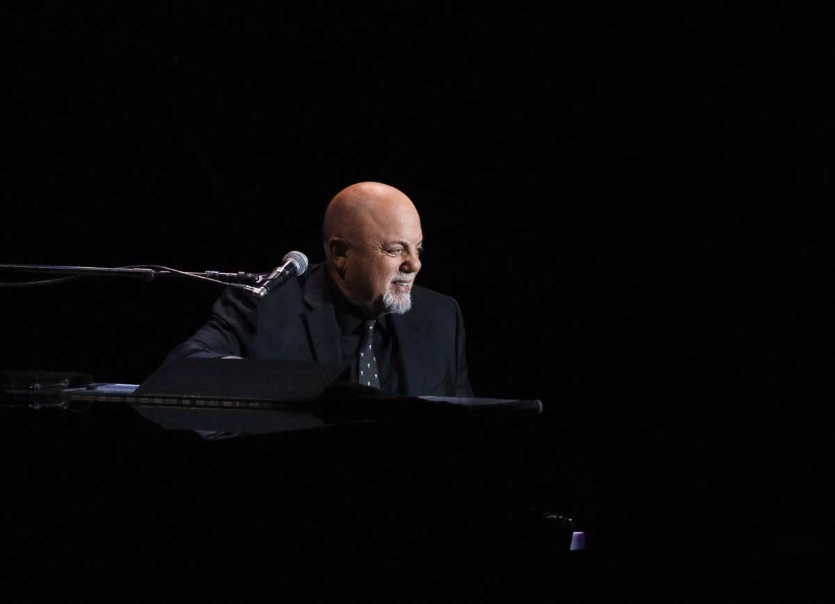 Billy Joel dona 25.000 dólares al Smalls