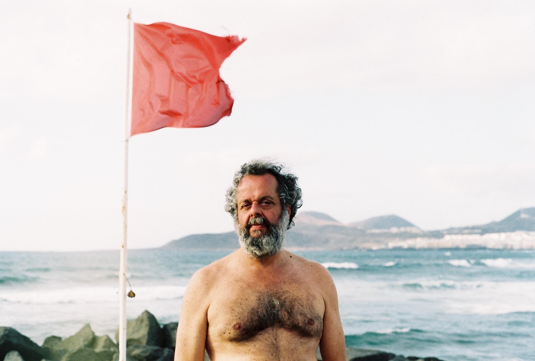Luifer Rodríguez propone Trasfondos de una ciudad marítima