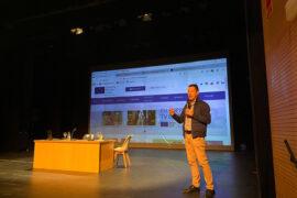 Peter Andermatt durante la charla que ofreció en Canarias