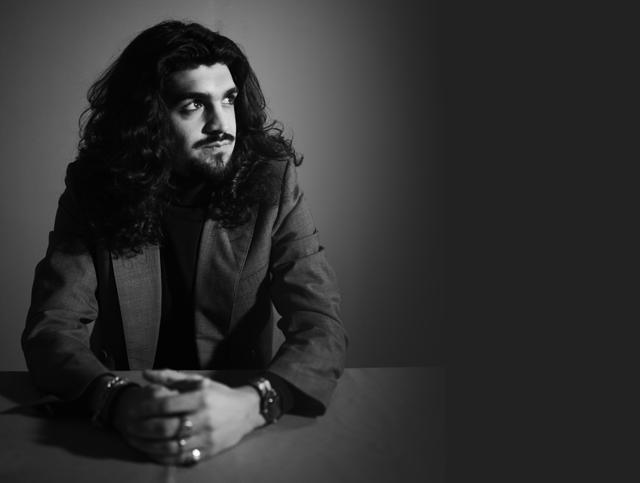 Israel Fernández nos regala su single Vino Amargo