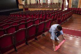 Cartelería COVID en Teatro Leal_150620