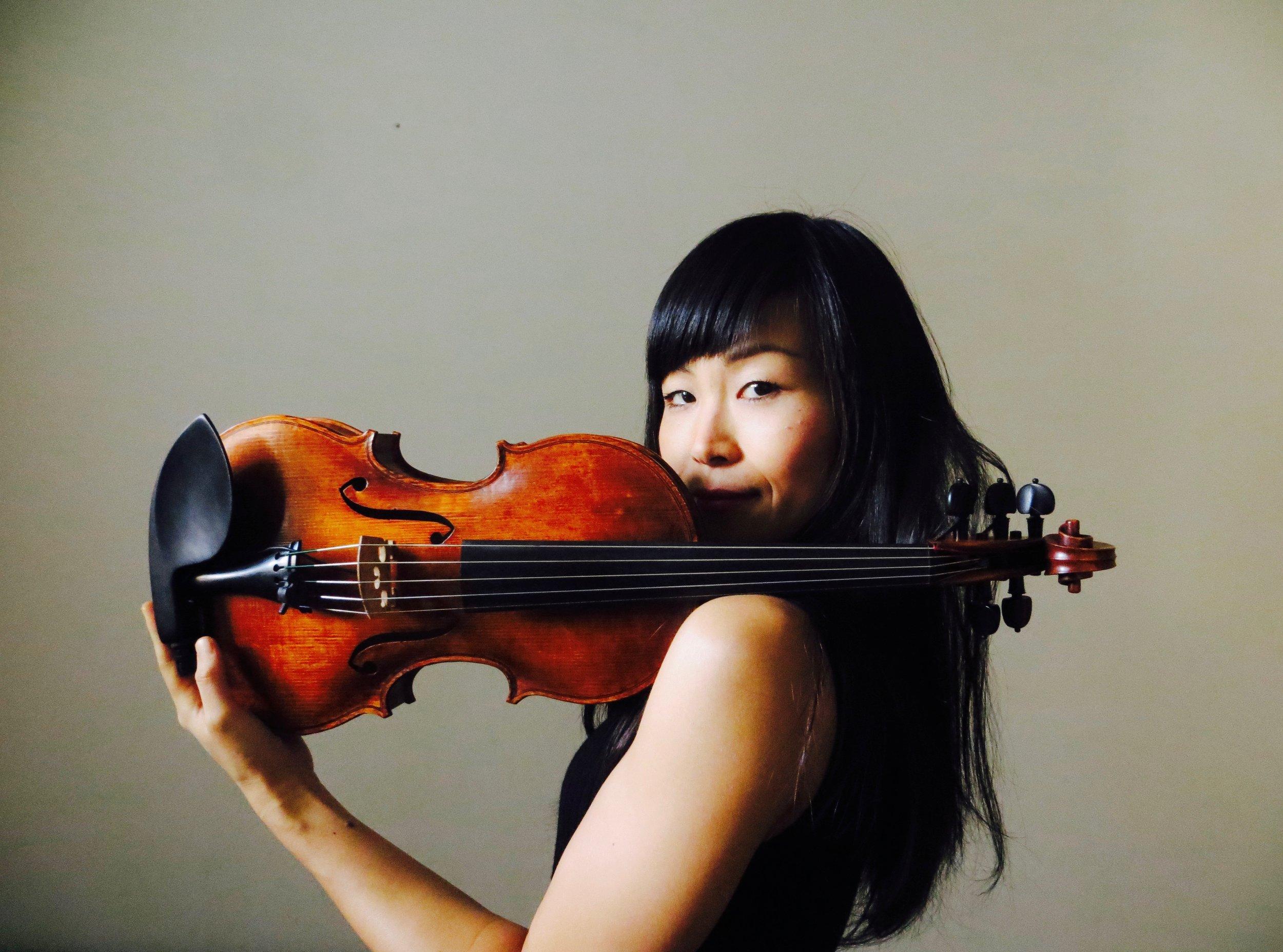 La violinista Tomoko Omura publica Branches vol. 1