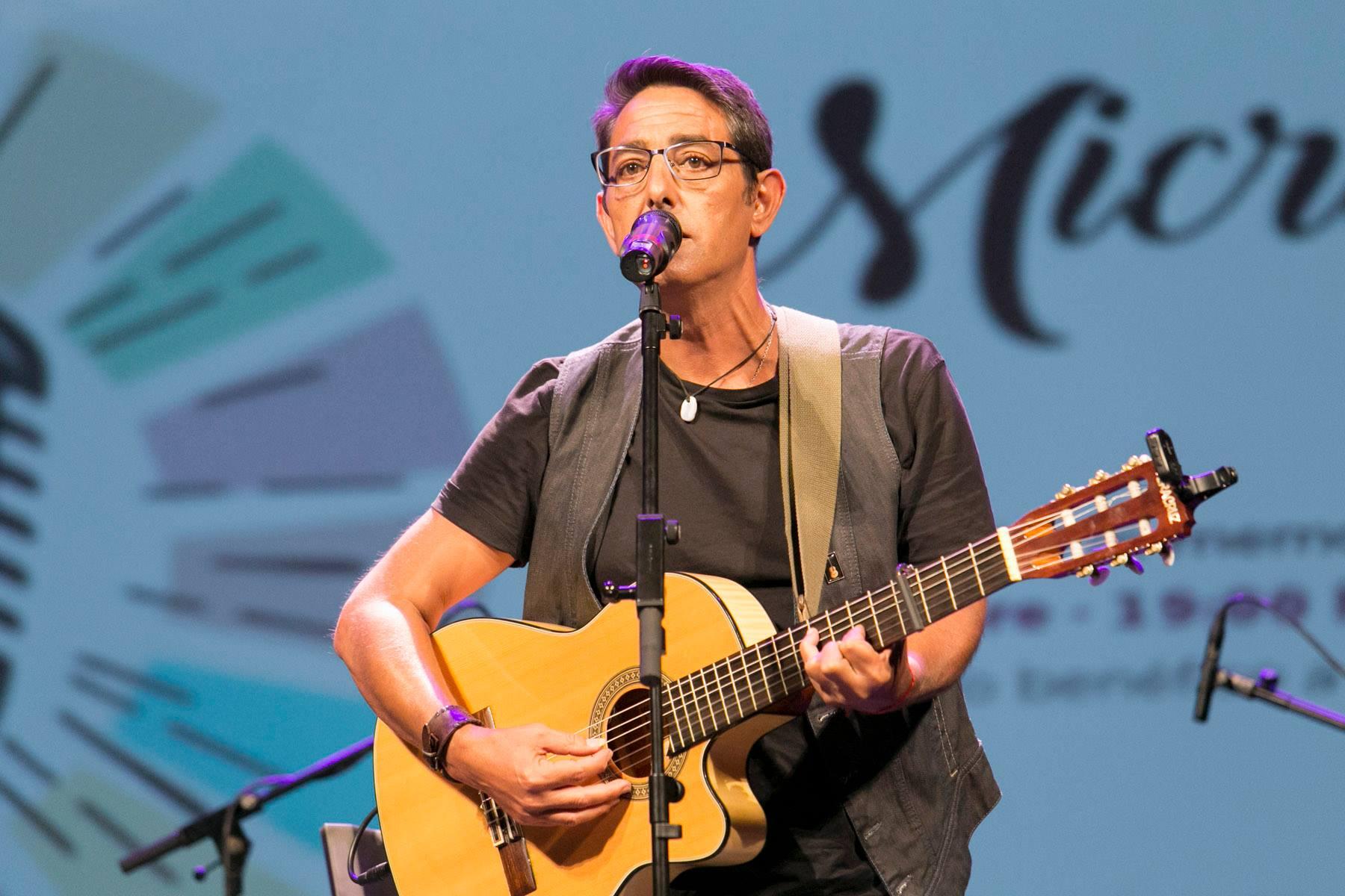 El cantautor Francisco Abad actúa en el ciclo online del Teatro Unión Tejina