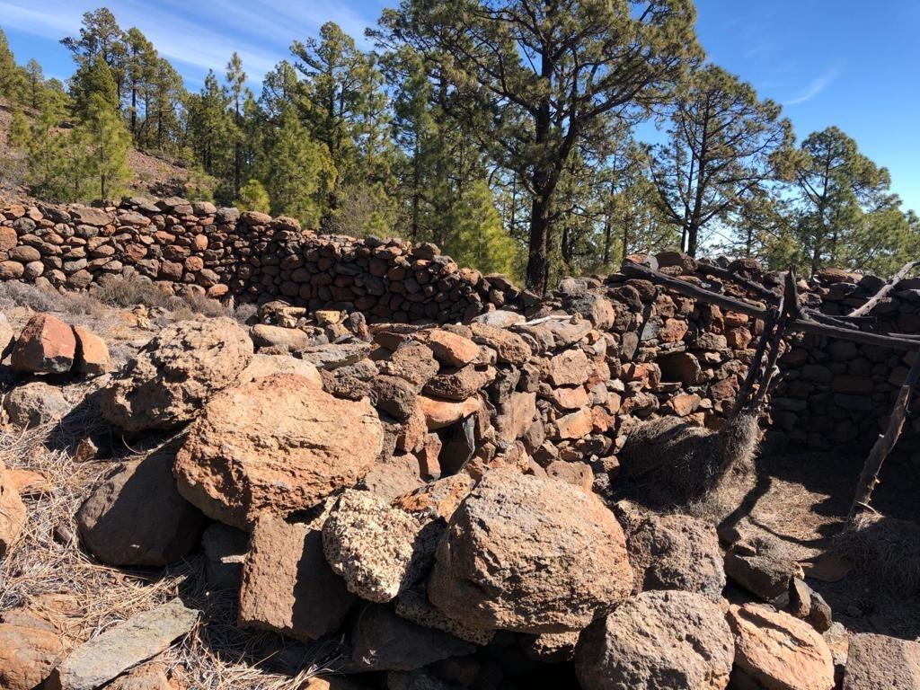 El Gobierno inicia la investigación sobre los hornos de brea de Camas Verdes en Arico, Tenerife