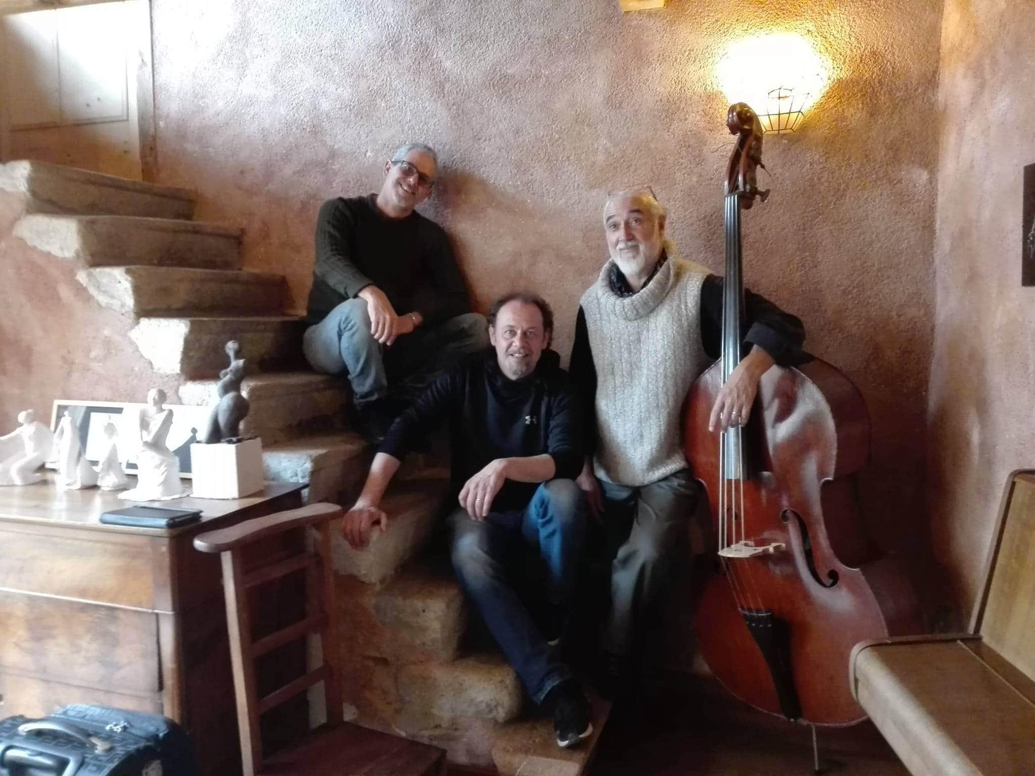 La música de Argentina, Brasil e Italia se entremezclan con ritmos de jazz en Tres Mundos
