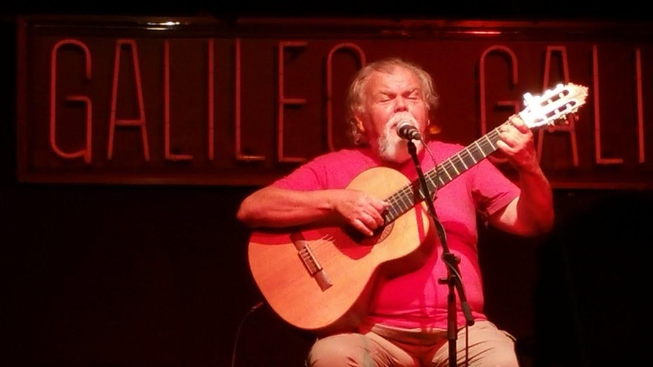 Rafael Amor: «Mi carrera ha sido una huida de lo convencional»