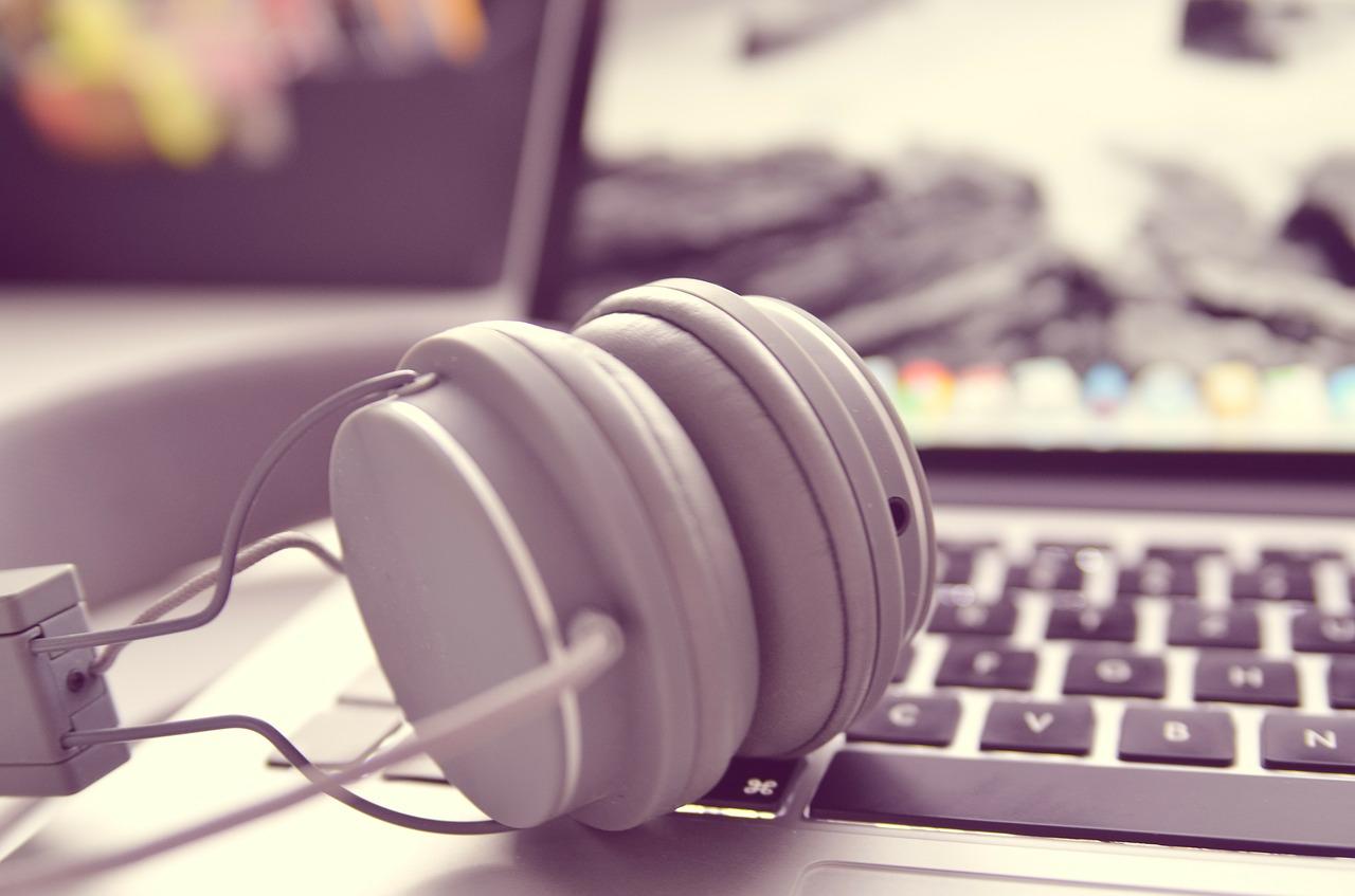 Seleccionados los primeros 27 textos que integrarán la Audioteca de Literatura Canaria Actual