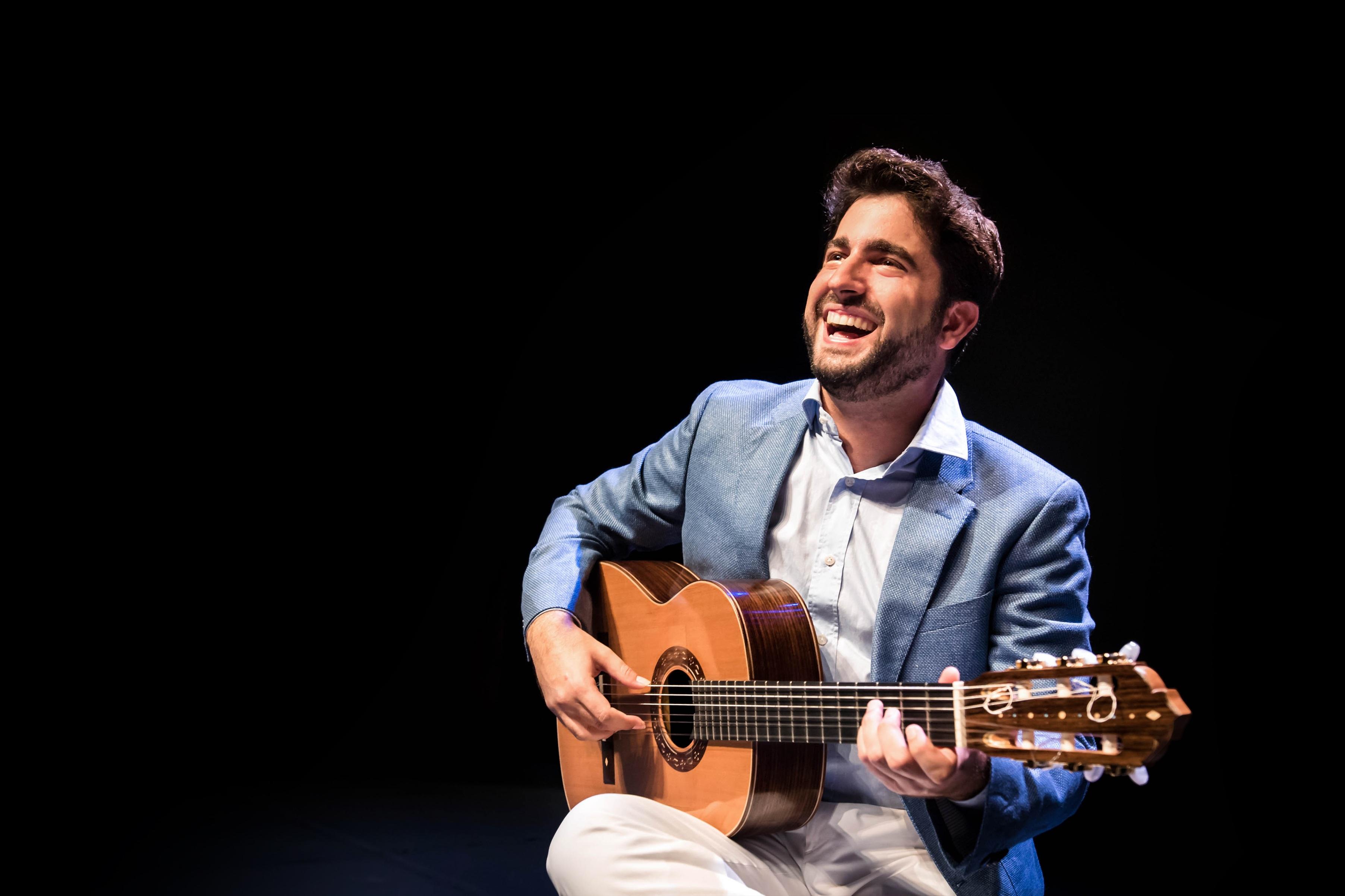 El guitarrista Rafael Aguirre, en el Auditorio Alfredo Kraus dentro del ciclo 'Maestros en Guitarra 2021'