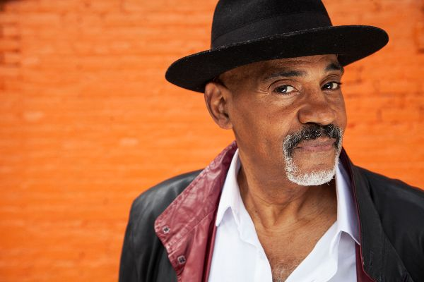 Allan Harris publica su nuevo disco Kate's Soulfood, recordando a su Harlem natal
