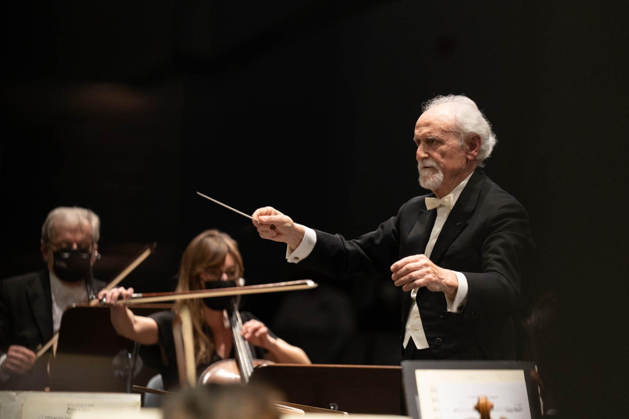 Armando Alfonso disfruta de una velada inolvidable dirigiendo a la Sinfónica de Tenerife